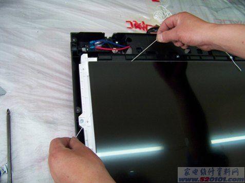 tcl液晶电视一体屏面板拆卸方法(图)