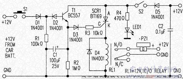 这是一种容易制作的汽车防盗装置,其电路如附图所示。当汽车的开关S2接通时,汽车12V电池的电源经由极性保护二极管D5加到电路,LED1闪烁表示防盗装置已经激活。 当汽车门关上时,门开关S1处于接通位置.12V电源出现在电阻R1两端,使D2截止.因此R1的作用是阻止晶体管T1导通。这时防盗装置处于睡眠模式。 如果有人打开车门。门开关S1变成断开状态.在由C1引入一段短暂的延时后。晶体管T1导通,触发可控硅SCR1(BT169)导通。电磁继电器RL1吸合,其触点N/O闭合。12V电源于是连接至压电蜂鸣器:P
